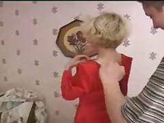Русская мамка и мальчик