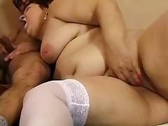 Tolstoj ryzhej babke nravitsja anal'nyj seks
